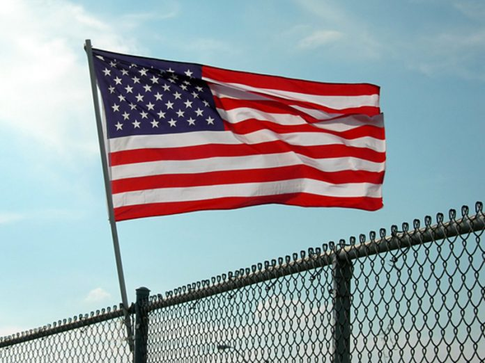 USA threatened with deportation translated into distance learning to foreign students