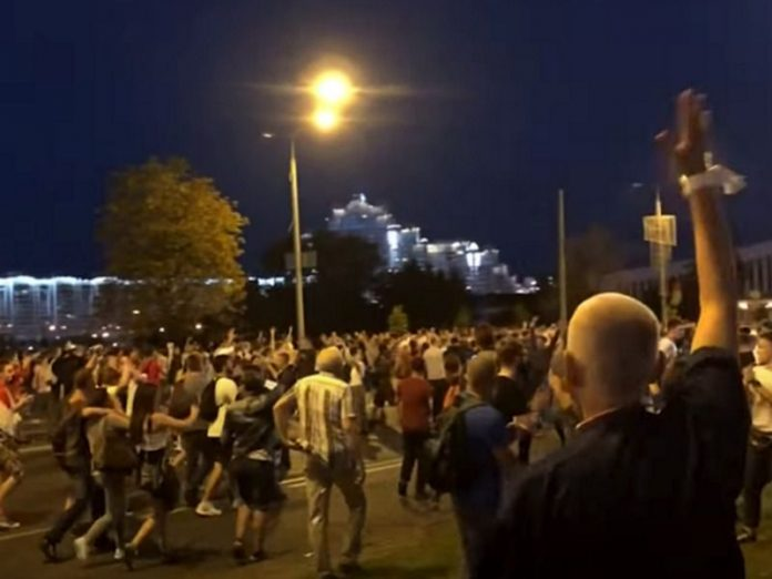 In Minsk, the protesters retreated to the Central square in the Park, but not gone