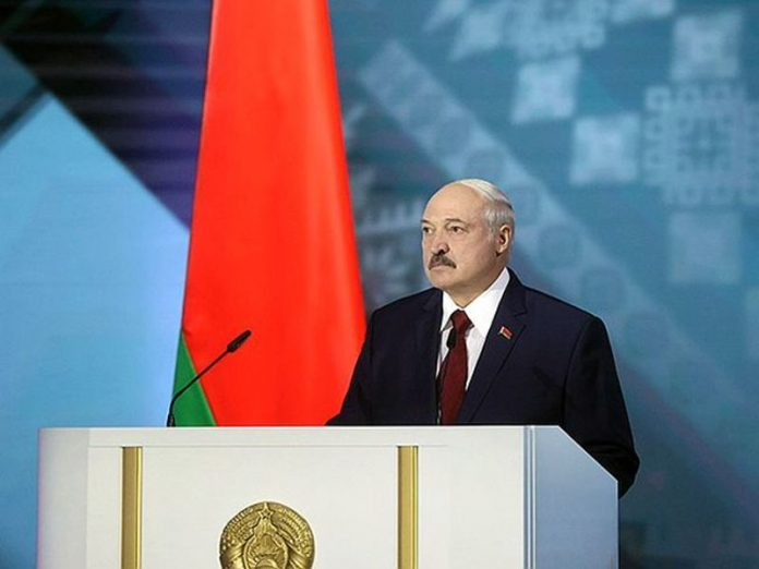Media: Lukashenka has agreed to give Kiev detained Russians