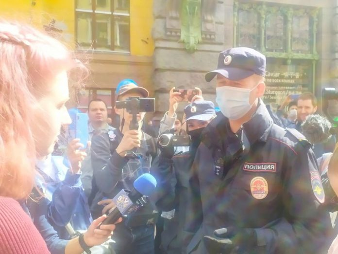 Protest action in St. Petersburg was interrupted in detention